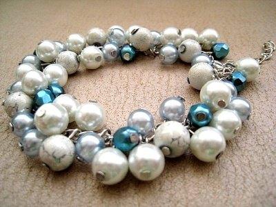 Náramek z modrých perel