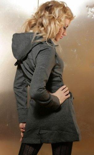 Propracovaný dámský kabát má důmyslné zpracování, je ...