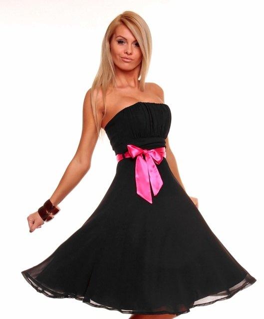 25326ab6161 Luxusní černé společenské šaty