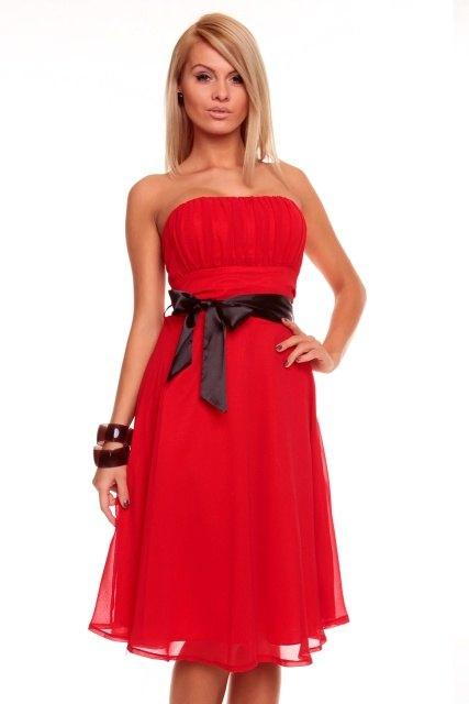 99e34c9152ae Luxusní červené šaty na ples - Butik Radost