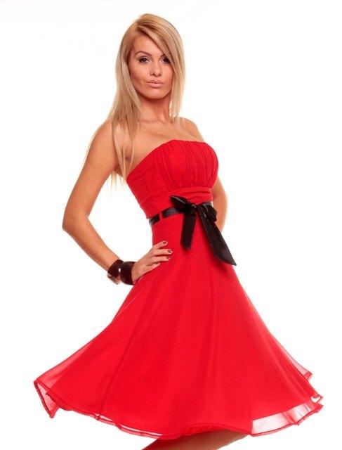 Luxusní červené šaty na ples - Butik Radost 2a3a0641b76