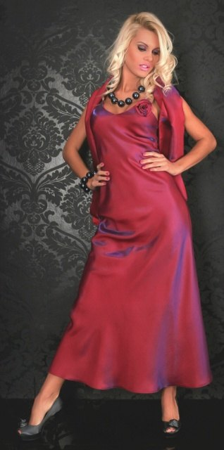 Plesové šaty s broží a šálem (vel. S, vel. M, vel. L)