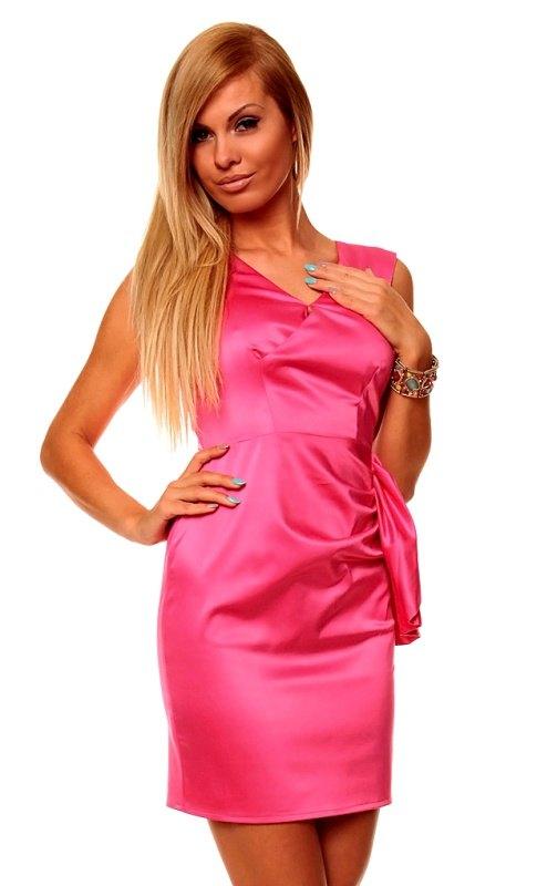 Saténové růžové šaty